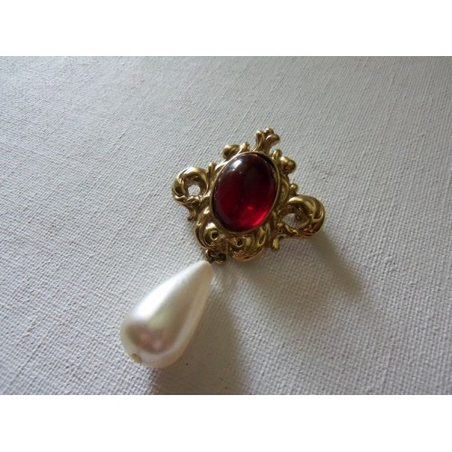 Vintage ~ Red Jell Cab with Teardrop Dangle Brooch/Pin
