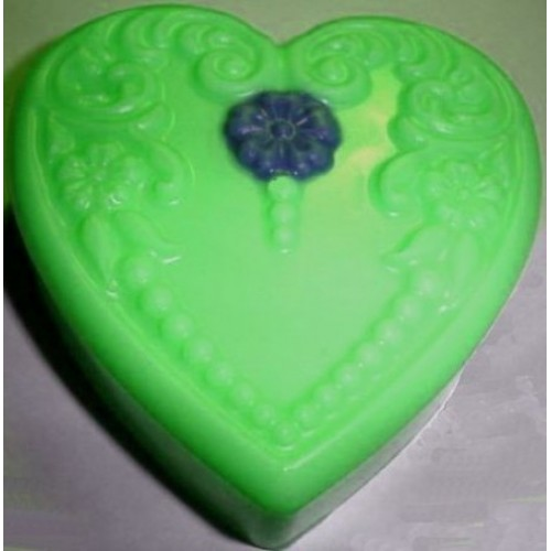 Earth's Blessings Scent Handcrafted Glycerin Floral Heart Soap Green with Blue