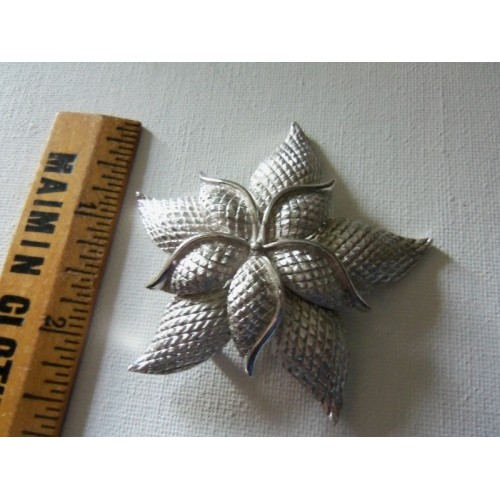 CORO ~ Signed ~ Large Vintage Silvertone Star Flower Brooch Pin Great for Scarf or Hat