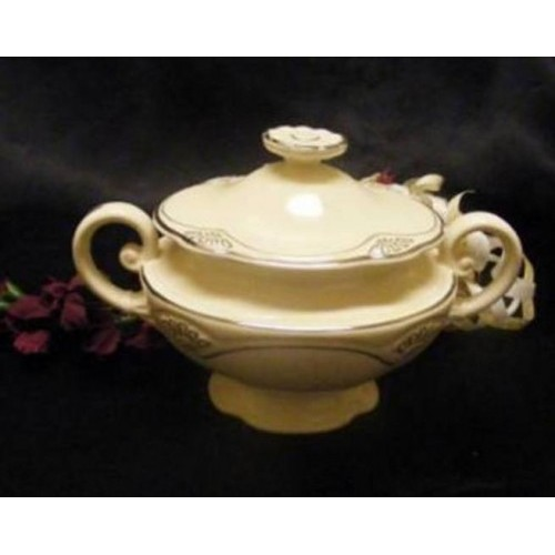 2591 Homer Laughlin Five Petal  Sugar Bowl N Lid