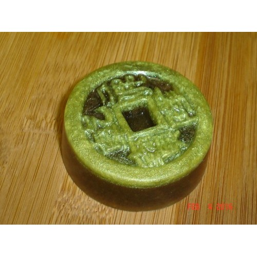 Fresh Pear Scent Handcrafted Honey Glycerin Soap Chinese Good Luck Coin cde1